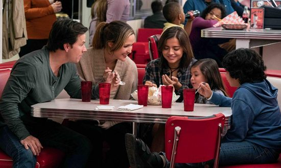 Film Review: 'Instant Family' Should Win Oscar for Best Feel-Good Movie