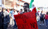 Mexicans Protest Migrant Caravan 'Invasion'