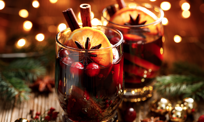 Warm and comforting mulled wine is the perfect Thanksgiving aperitif. (Courtesy of Andrea Correale/Elegant Affairs)