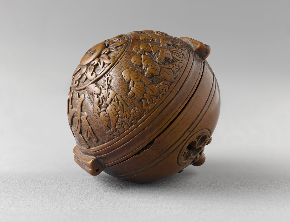 """""""Prayer-nut for the Carthusian François du Puy,"""" circa 1517-21, by Adam Dircksz and Workshop. Boxwood, 1 7/8 inches in diameter, Private Collection. (Courtesy of The Frick Collection)"""
