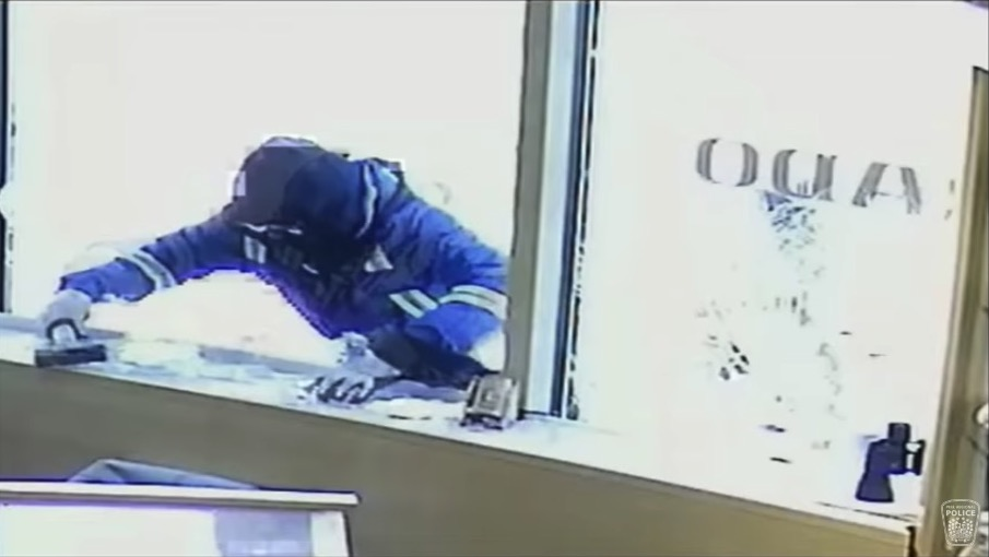 Store Clerk Shoots, Kills Armed Robber After He Jumps Over Counter: Report