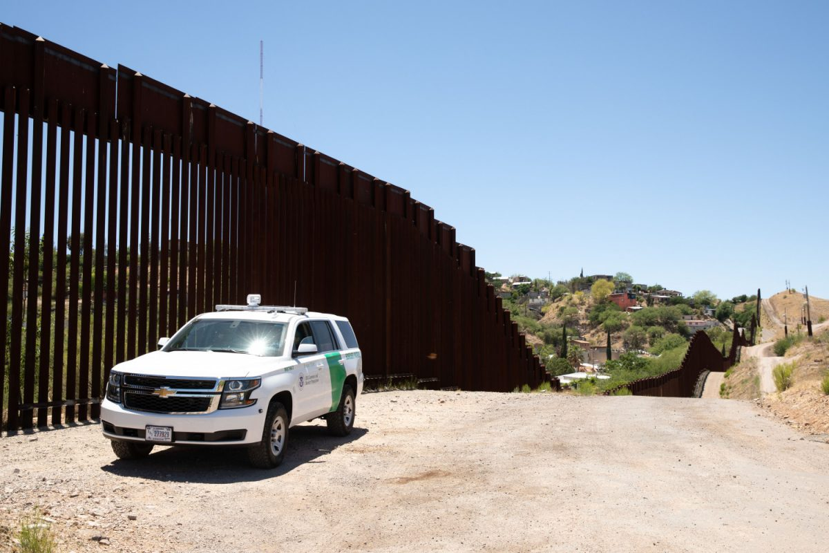 GoFundMe campaign for border wall aims for a billion (at least)
