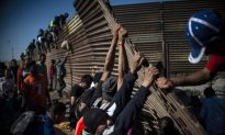 Videos of the Day: Migrants Breach Border Fence, Throw Rocks