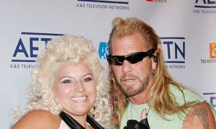 From the reality television show Dog The Bounty Hunter Beth Smith (L) and Duane 'Dog' Chapman arrive to A&E Television Networks Upfront celebration held at Rockefeller Center April 21, 2005 in New York City. (Photo by Fernando Leon/Getty Images)