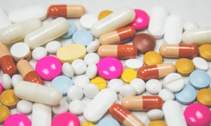 A stock photo of various pills (freestocks.org/Unsplash)