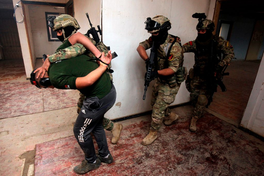 Iraqi counter-terrorism forces train