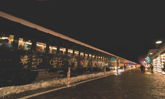 A Polar Express train ride is great for the young and young at heart. (EpochTimes)