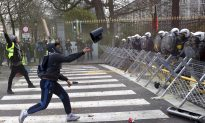 France: 135 Hurt in Protests; 1,000 Detained