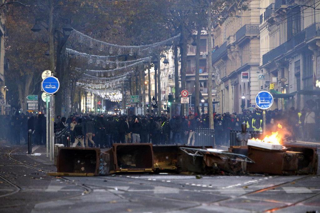 France announced how much it will cost the state of emergency