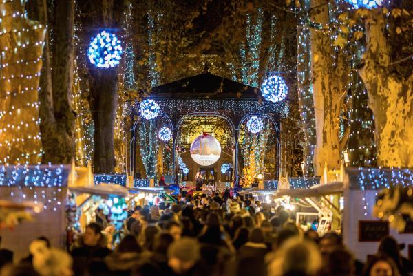 crowds walk through advent christmas market in zagreb croatia