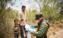 US Border Crisis: 100,000 Illegal Immigrants in 60 Days