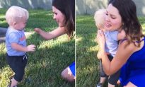 Toddler fist-bumps and hugs a stranger after noticing she's missing a limb just like him
