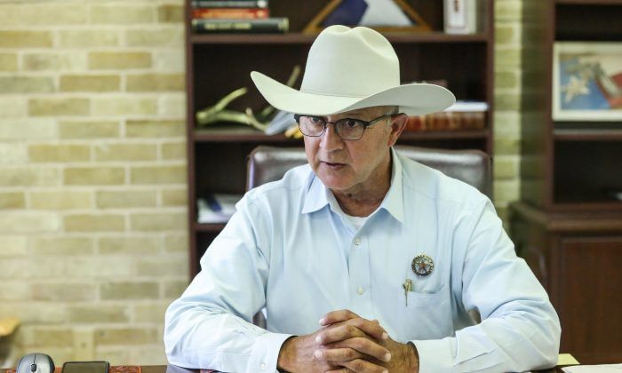"""Refugio County Sheriff Raul """"Pinky"""" Gonzales in his office in Refugio, Texas, on Nov. 8, 2018. (Samira Bouaou/The Epoch Times)"""