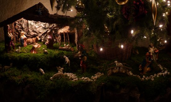 A traditional Nativity scene, in the Netherlands. (CC BY-SA 3.0)