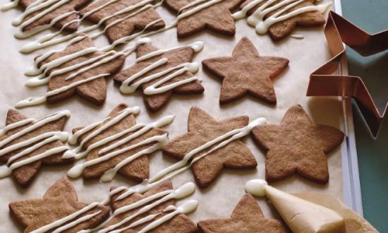 Crisp Gingerbread Stars (Tina Rupp)