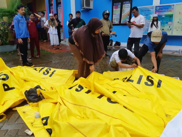 Over 160 Dead, Hundreds Injured as Tsunami Hits Indonesia