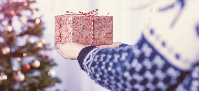 What better gift than a peace offering?(JESHOOTS.COM/Unsplash)