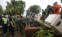 Indonesia Searches for Tsunami Victims; Death Toll Hits 373