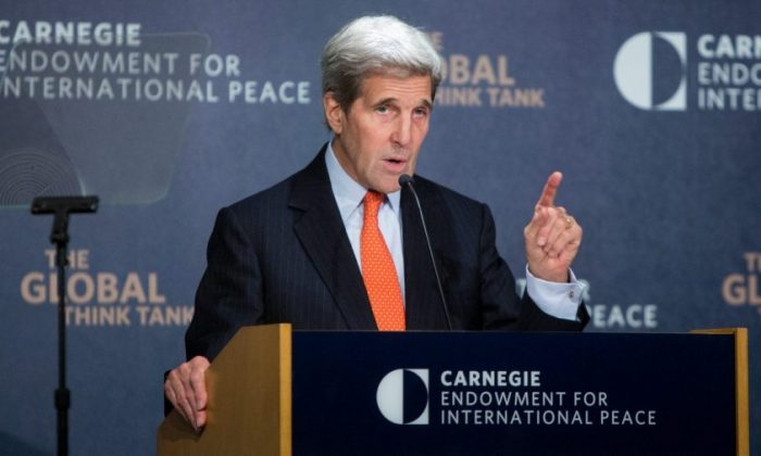 Former U.S. Secretary of State John Kerry discusses U.S. policy towards the Middle East at the Carnegie Endowment for International Peace offices in Washington on Oct. 28, 2015. (Allison Shelley/Getty Images)