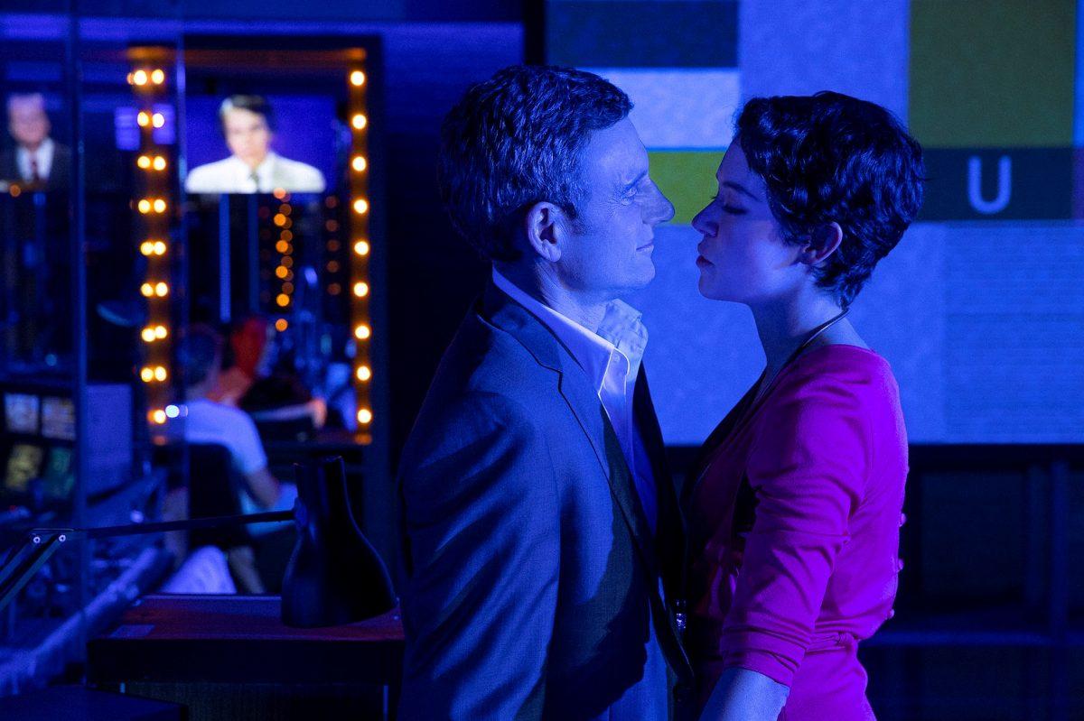 Tony Goldwyn and Tatiana Maslany in NETWORK