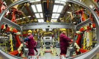 China Factory Activity Shrinks for First Time in Over 2 Years Amid Trade Friction