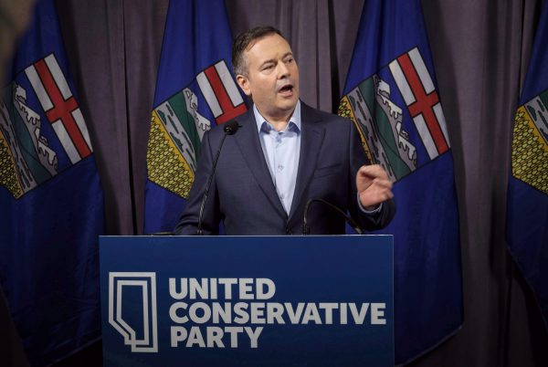Alberta's United Conservative Party leader Jason Kenney speaks to the media in Red Deer, AB, on May 6, 2018. (The Canadian Press/Jeff Macintosh)