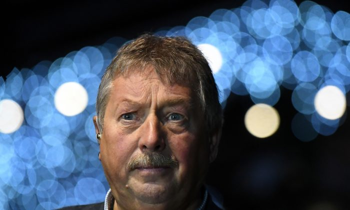 Democratic Unionist Party (DUP) Brexit spokesman Sammy Wilson MP speaks to media after the DUP annual party conference in Belfast, Northern Ireland Nov. 24, 2018. (Reuters/Clodagh Kilcoyne)