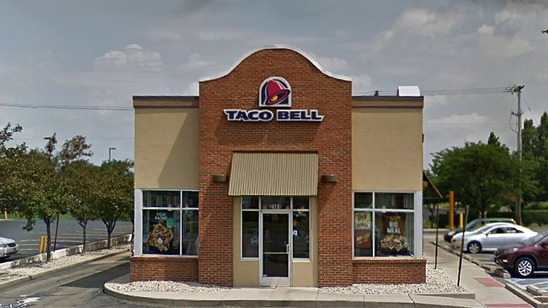 Taco Bell Employee Caught on Camera Refusing Written Order from Deaf Customer