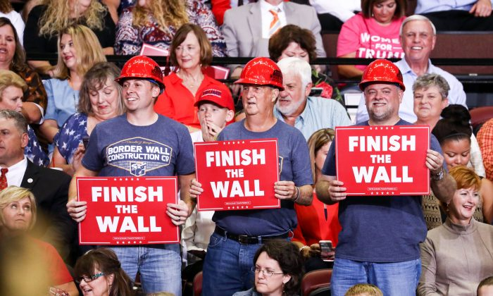 Attendees at a Make America Great Again rally in Southaven, Miss., on Oct. 2, 2018. (Charlotte Cuthbertson/The Epoch Times)