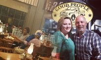 Cracker Barrel Manager Holds Infant So That Couple May Enjoy Their Meal
