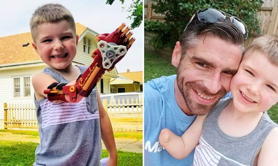 (Left) Four-year-old Carter Campos showing off the invention that his father (right) Michael Campos whipped up for him via 3d-printer. (Facebook | Claws from Carter)