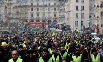 French Police Fire Tear Gas as Latest 'Yellow Vest' Protests Turn Violent