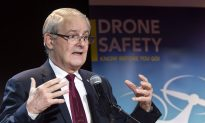 Garneau Meeting With Expert Aviation Panel, Has No Plans to Ground Boeing 737