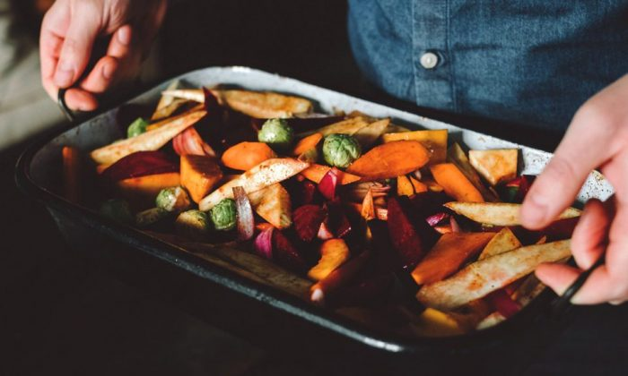 Seasonal vegetables usually have more nutrients and are cheaper than non-seasonal foods. (Getty Images)