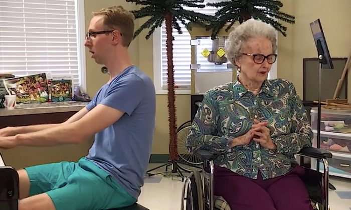 """Eighty-seven-year-old Gwen Gustafson sings """"Over The Rainbow"""" with her grandson Trevor Manor. (YouTube Screenshot 