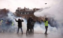 Videos of the Day: Yellow Vest Protests Hit With Police Water Cannon, Tear Gas in Paris
