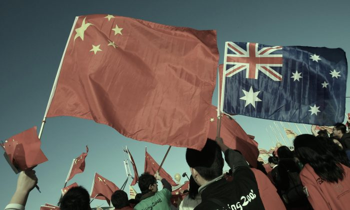 China supporters rallying outside Australia's Parliament House during the Beijing 2008 Olympic torch relay in Canberra, on April 24, 2008. (Torsten Blackwood/AFP/Getty Images)