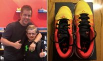 Mom Cries Seeing Son's One Foot is 3 Sizes Bigger, Then Shoe Shop Manager Makes Her Day