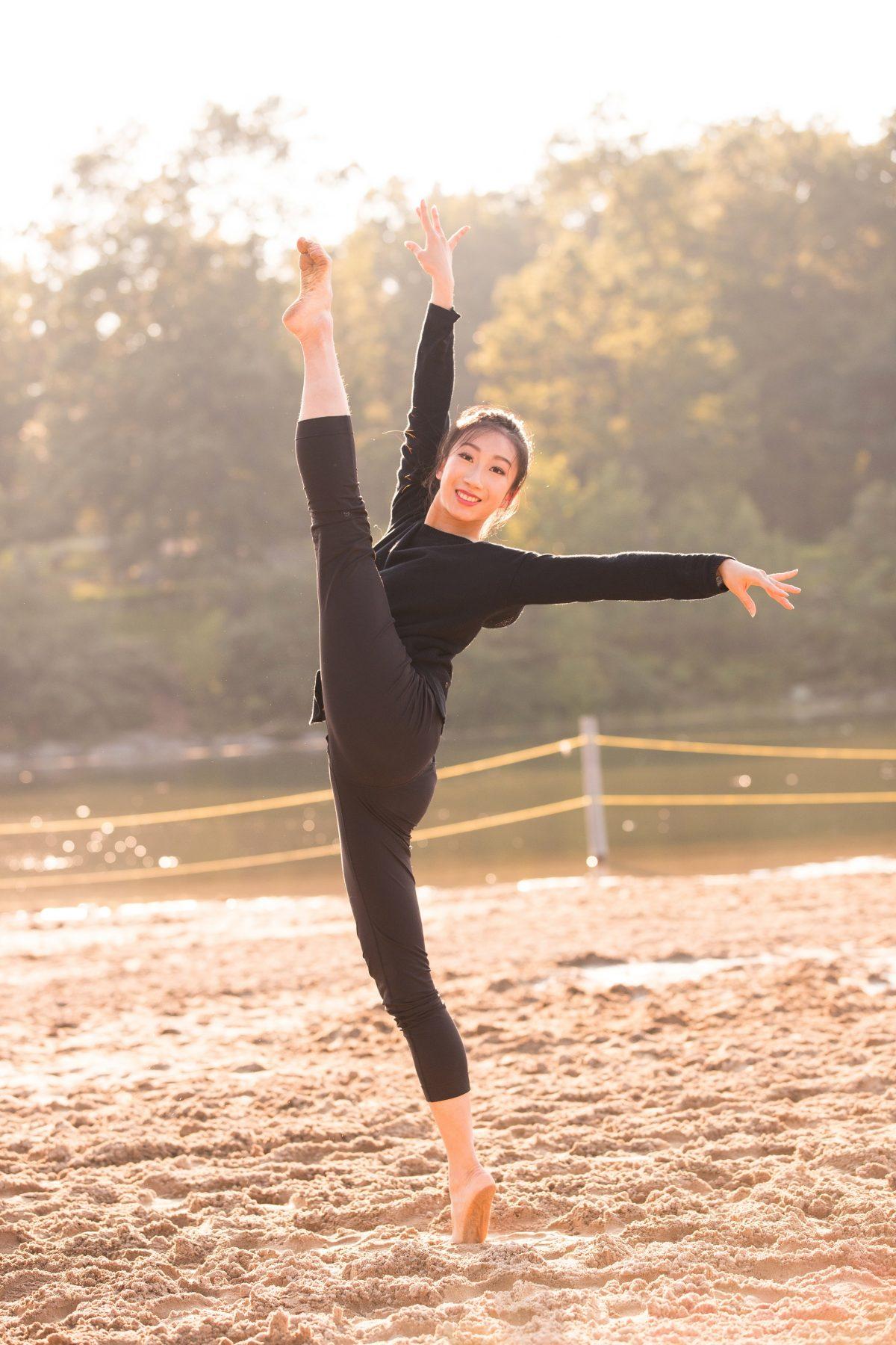 Shen Yun dancer Kaidi Wu kick outdoors_