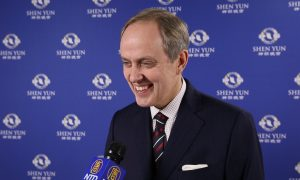 Prince Jean d'Orléans: Shen Yun Invites us to 'Escape into another world full of color, poetry, and humor'