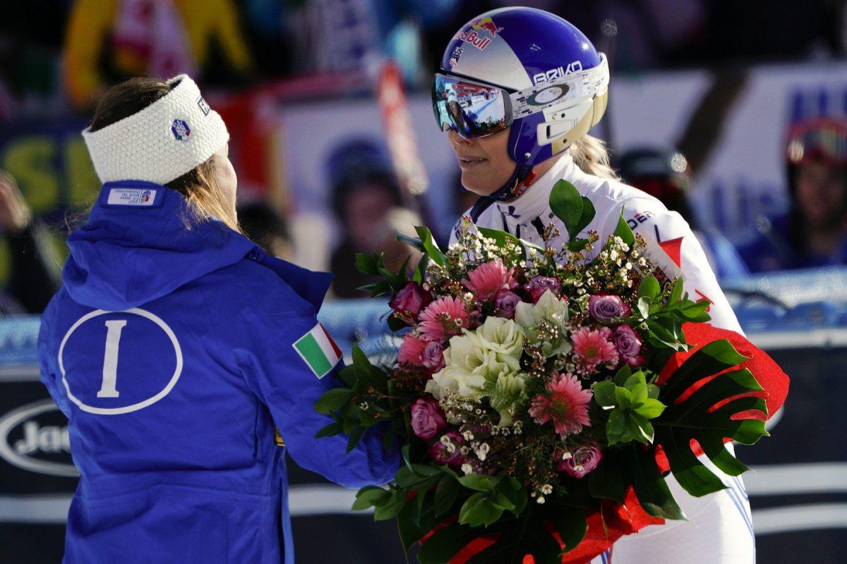 Lindsey Vonn receives flowers