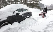 Videos of the Day: Winter Storm Dumps Snow, Ice Across Midwest and Northeast US
