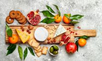 Easy Entertaining: How to Build a Perfect Cheese Board