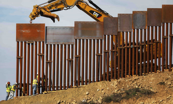 Alabama Bill Would Allow Tax Refunds to Fund Border Wall