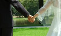 UK Couple Criticized Over Wedding Crowd-Funding Campaign