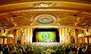 Chinese Businessman Moved to Tears Seeing His Culture Revived by Shen Yun