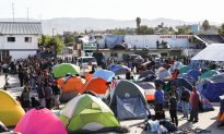 US Starts Sending Asylum-Seekers Back to Mexico to Wait Out Claims
