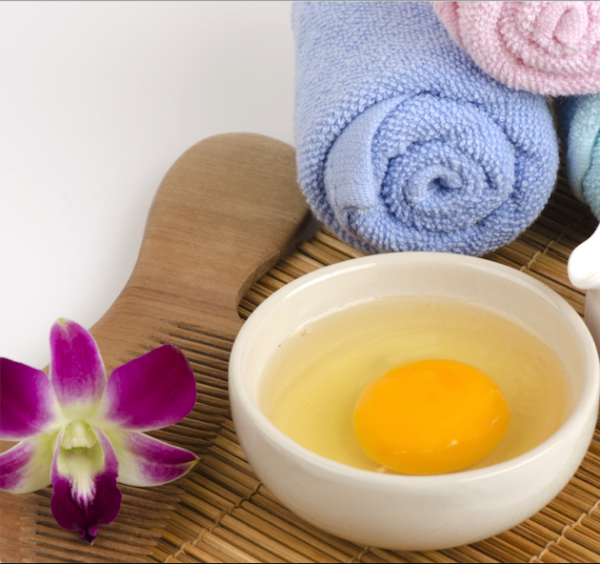 wash hair with raw egg