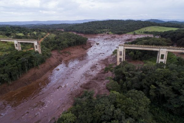 Brazil dam collapse: five arrested including three mining firm staff