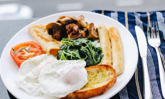 A meal first thing in the morning can be essential for some people, and completely optional for others, say researchers. (Carissa Gan/Unsplash)